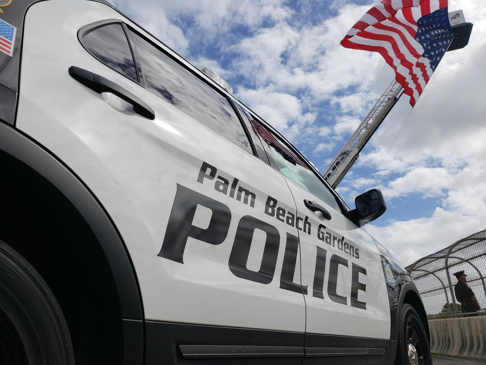 a106f3bde599c706775d66a82f2645f1 - Palm Beach Gardens Police Department Records