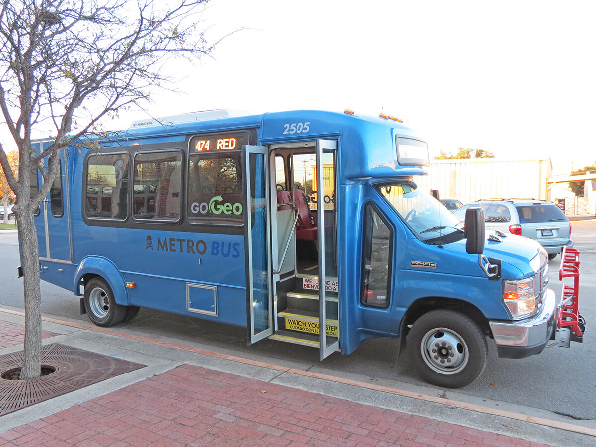 Catch the GoGeo Blue route no  473 bus to the Square (City