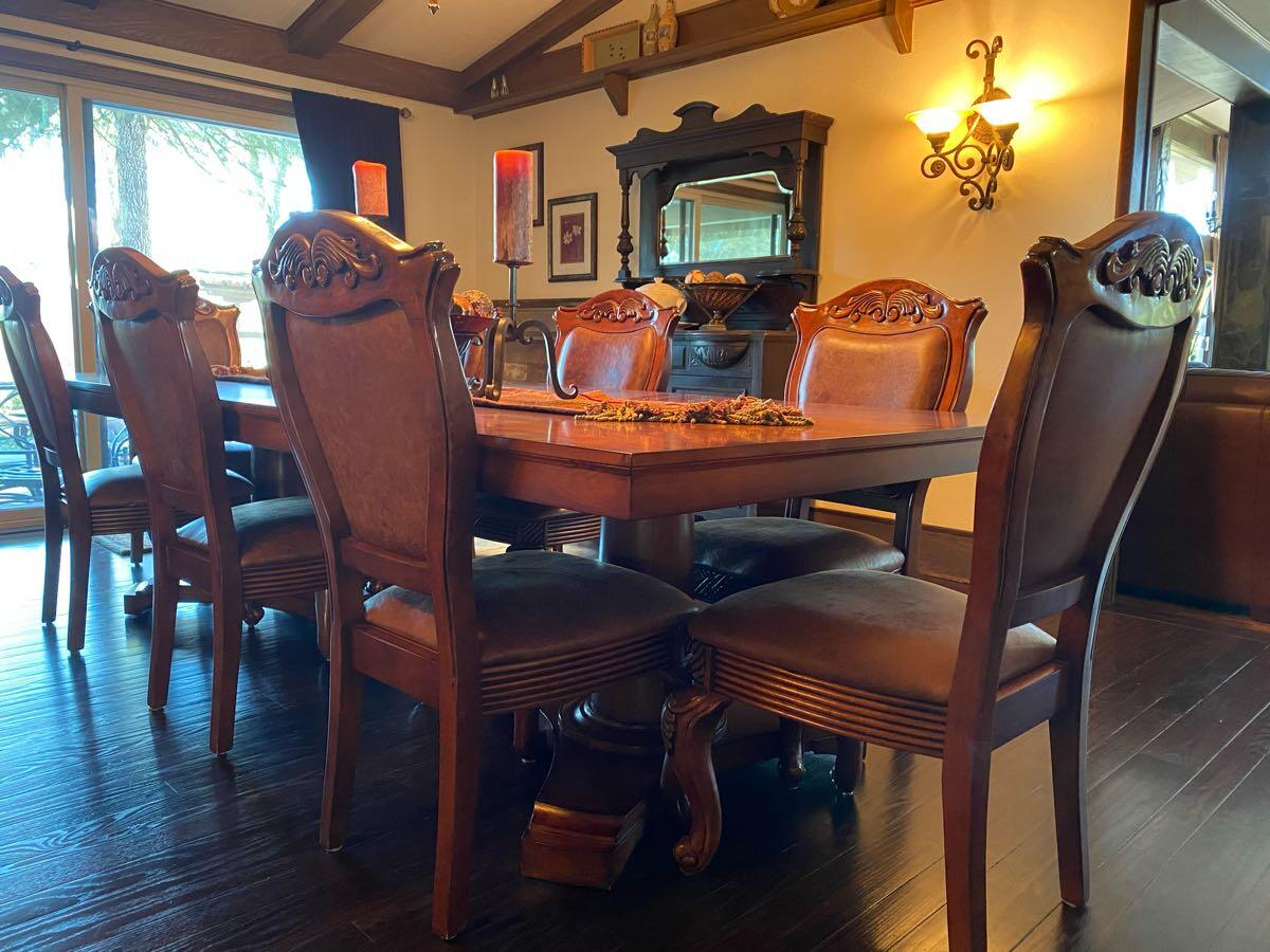 200 8 Wood And Leather Dining Chairs For Sale Excellent Condition These Were In Our Formal Dining Room And Rarely Used Nextdoor